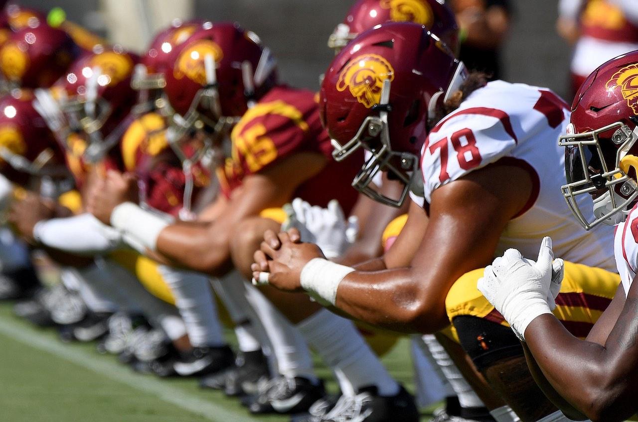 USC football odds